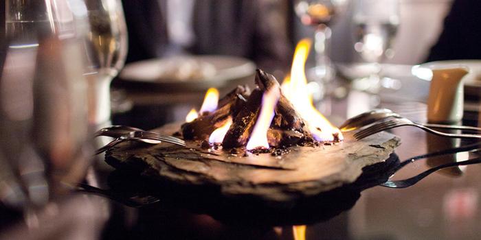 eat-bar-and-grill-phuket