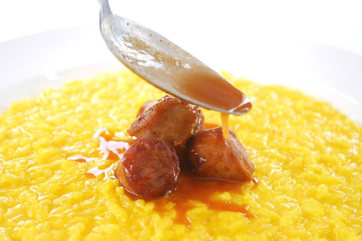 aef-risotto-with-saffron-and-pork-sausage-3