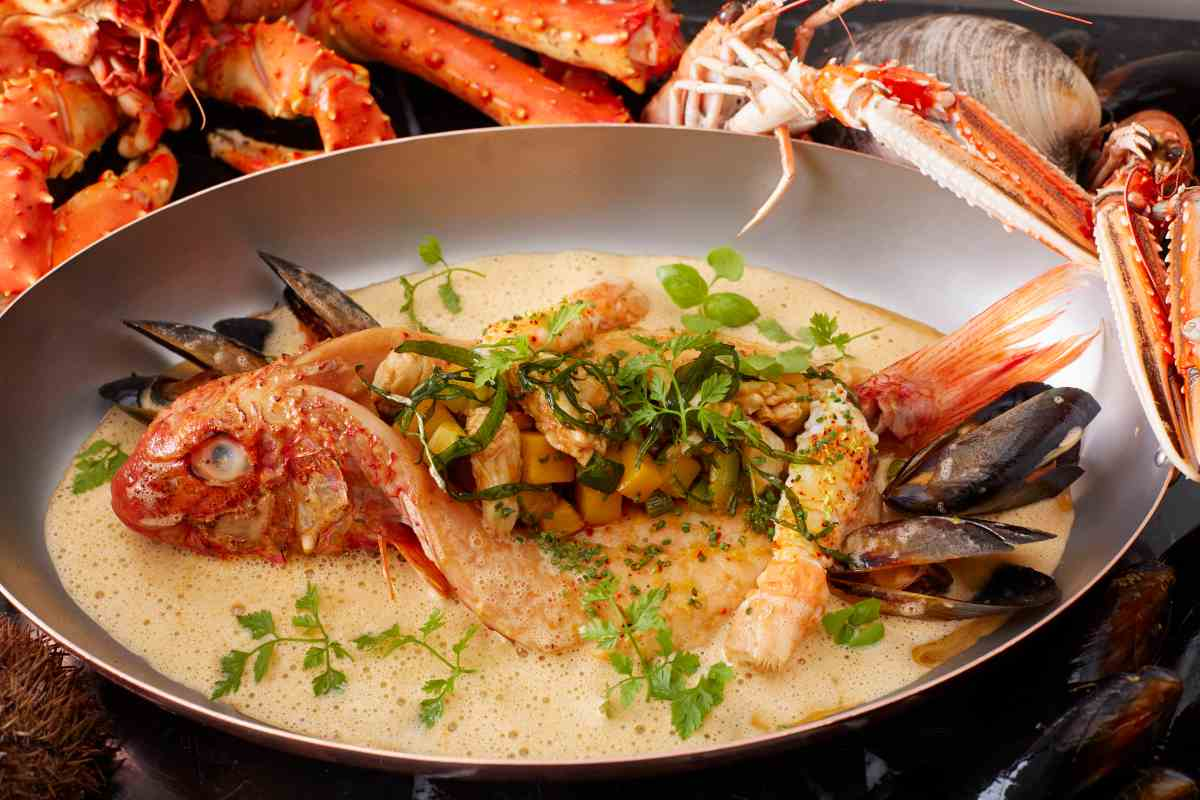braised-rouget-in-bouillabaisse-with-bouchot-mussels
