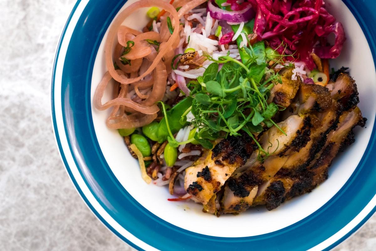 fynns-grilled-chicken-fried-wild-rice