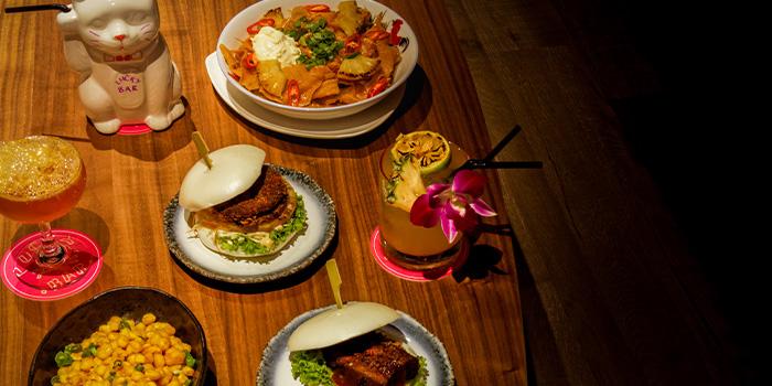 lucky-bar-food-spread