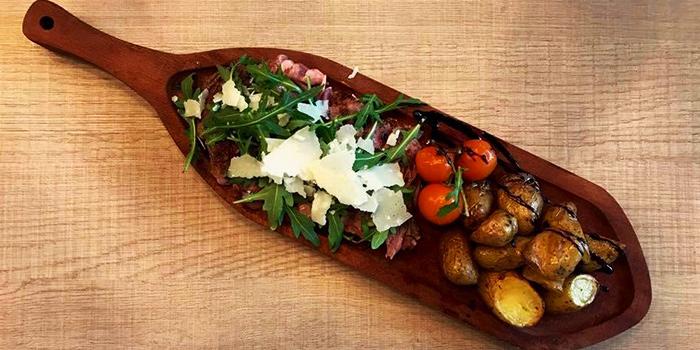 Bottega-Ribeye-with-Parmesan-Flakes