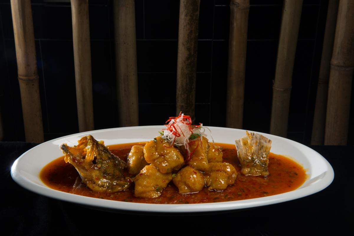 Crispy fish in spicy sauce